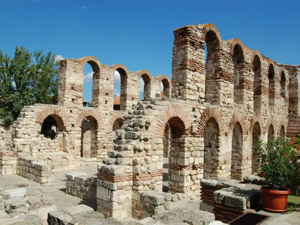 Церковь Св. Софии – Старая Митрополия (конец V - начало VI века)